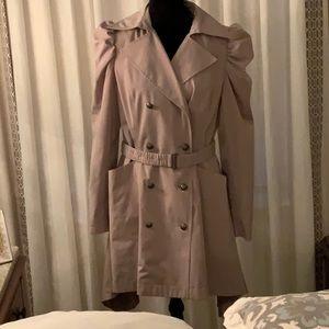 Jennifer Lopez raincoat